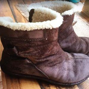 UGG suede boots. Sz 8